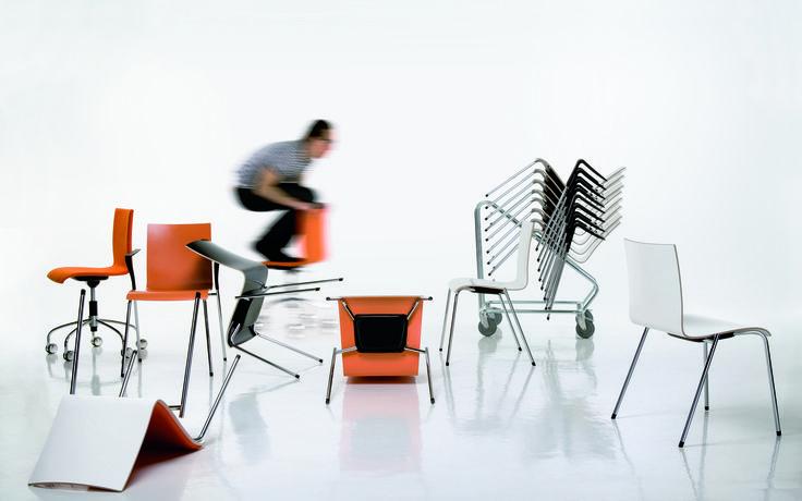 And  Piiroinen And, een stoel van PLAN@OFFICE ontworpen door Piiroinen.