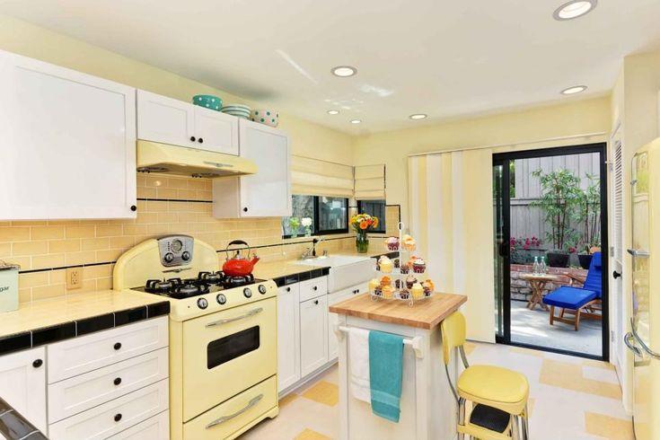 Sárga-fehér konyha -  ötletek modern stílusban