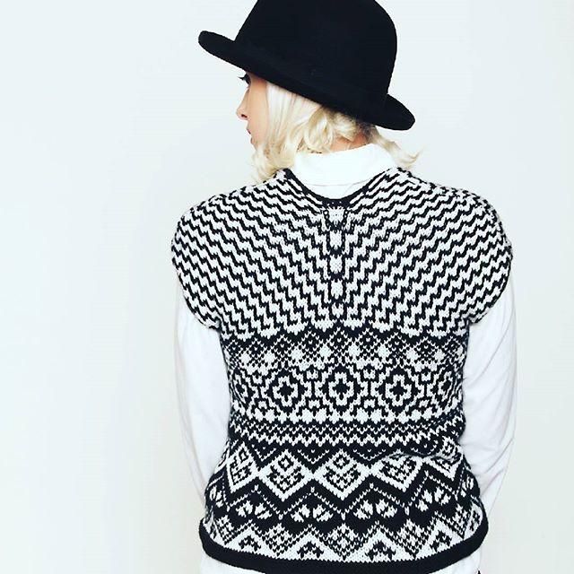 #jaroslavadovcova #knitting #vest