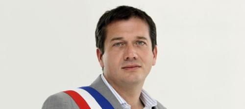 Le maire FN de Cogolin dans le Var s'oppose à un spectacle de danse orientale! http://www.jeanmarcmorandini.com/article-327104-le-maire-fn-de-cogolin-dans-le-var-s-oppose-a-un-spectacle-de-danse-orientale.html