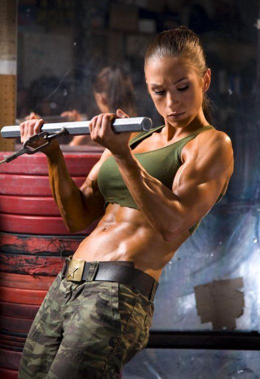 85cac6df37d Female fitness model and female fitness trainer Pauline Nordin