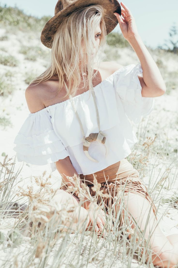 www.lostlorelei.com #bohemian wedding dress #bohemian / hippie style #bohemian home #bohemian fashion #bohemian fashion summer #bohemian fashion style #bohemian fashion diy #bohemian fashion winter