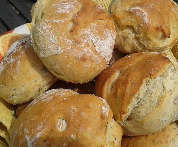 Rezept Chia-Kartoffel-Brötchen von Buttermilchschnitte - Rezept der Kategorie Brot & Brötchen