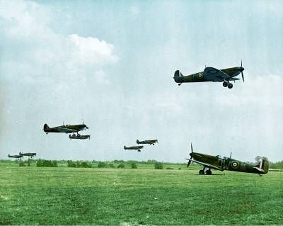 Spitfires taking to the skies to intercept enemy aircraft in #BattleOfBritain #WW2