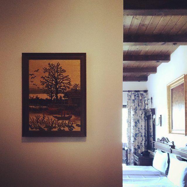 Bran | Romania | Boutique Hotel | Interior | Design | Room | Bedroom | Architecture | Luxury | Style | Goblen | Obiecte vechi, reconditionate | Concept | Inspiration