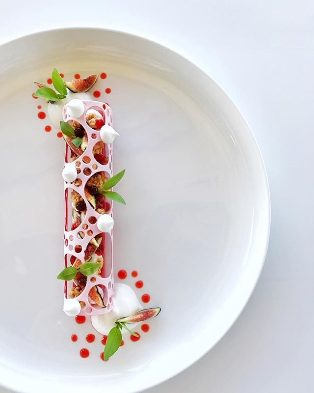 Bientôt à la carte !!!! #eze #monaco #motivation #figue #bestteam #gourmandise #gourmand #dessert #tropbon #kiff #chef #cheftattoo #pastry #pastrylove #pastrychef #pastryworld #patisserie #patisseriedj #kiff #tropbon #culinary #simplicity #signature #michelinstar #restaurant #relaischateaux #grandtabledumonde #photography #sun #magique @retrofloxy @lachevredor .
