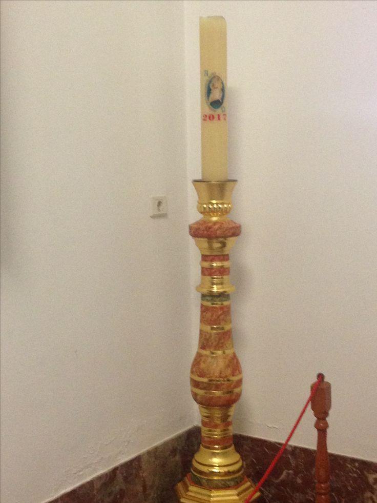 Paaskaars in kerk van Les Sauces