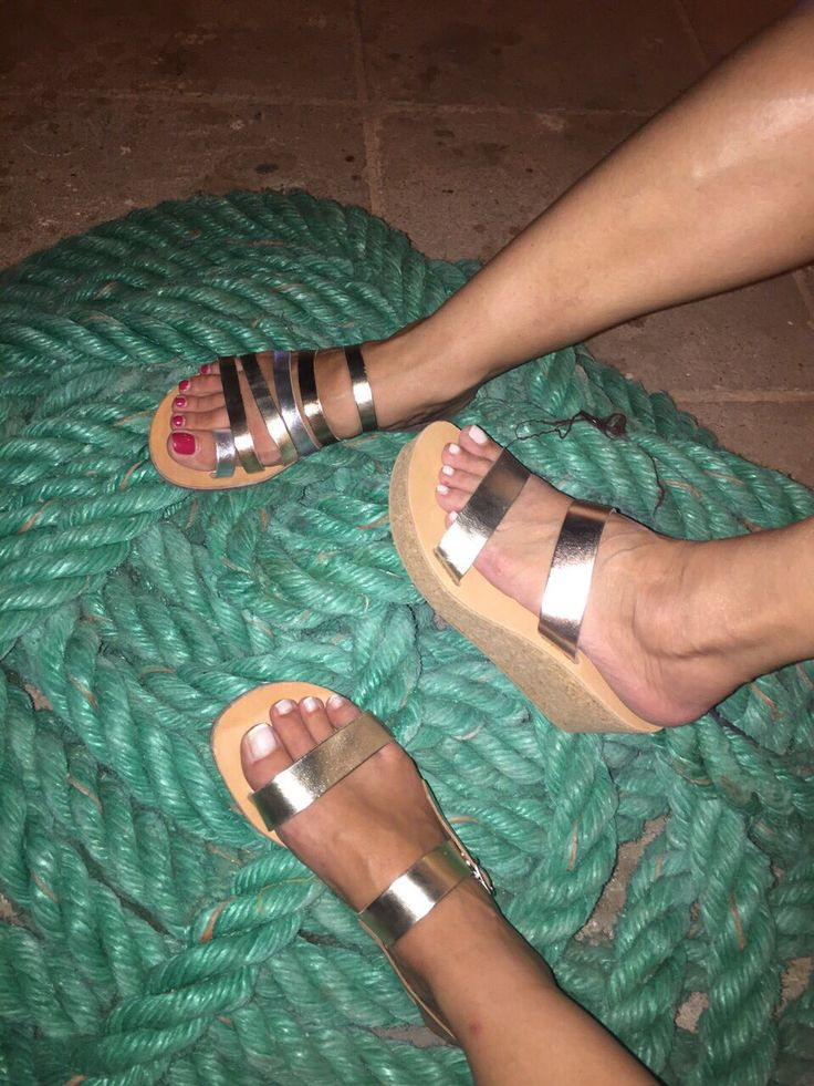 Straps & Toes handmade leather sandals |  shop on-line at strapsandtoes.com