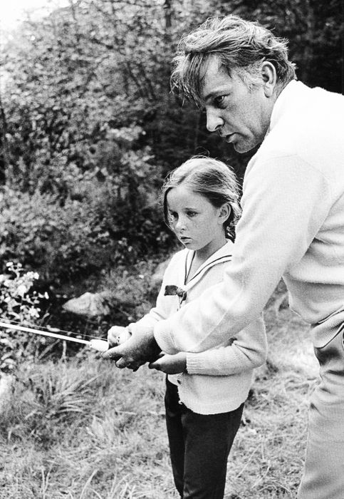 Daddies and Daughters: Richard Burton and his daughter, Kate.   Source: Via Margutta 51