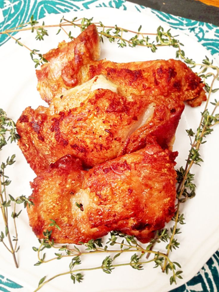 Sous Vide Crispy Chicken Thighs with Thyme and Garlic! 8 minutes of ...