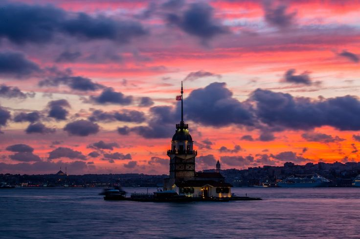 Maiden's Tower , Istanbul