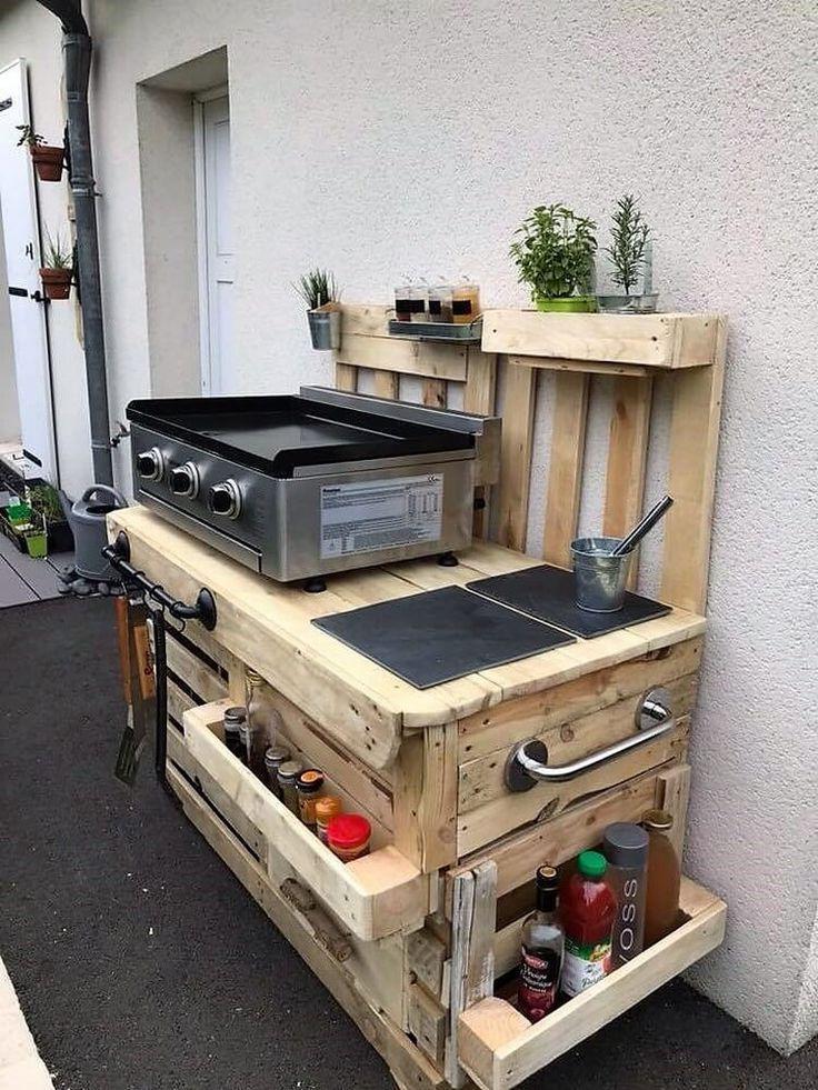 Aufbereitete Hölzerne Paletten Küche Im Freien Idee Aufbereitete Hölzerne Paletten Küch Pallet Outdoor Kitchen Ideas Diy Outdoor Kitchen Outdoor Kitchen Plans