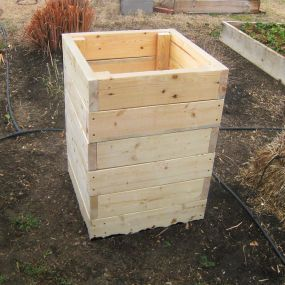 Build Your Own Potato Growing Box (tutorial)