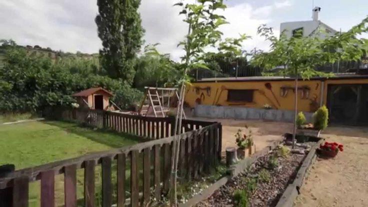 El Charquillo Casas Rurales video presentacion de nuestras casas. Esperamos que os gusten. Situadas a mitad de camino de Lagunas de Ruidera y Nacimiento de Rio Mundo en el termino municipal de Alcaraz