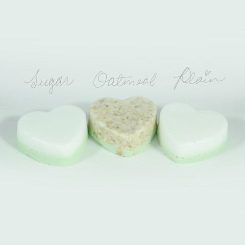 Imagine walking right onto a pear orchard filled with the wonderful aroma of ripened green pear. Our Pear Body Bar will hug you in the fresh scent of sweet pears  to remind you that spring is here and summer's near.