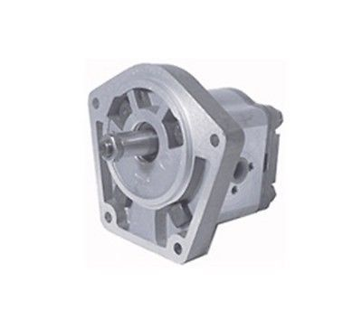 3072695R91 New International Tractor 424 444 Hydraulic Pump with Power Steering  One New Aftermarket Replacement Case – International Hydraulic Pump that fits Diesel Engine Tractor models: 424, and 444 (with Power Steering).Replaces Part Number: 3072695R91  http://industrialsupply.mobi/shop/3072695r91-new-international-tractor-424-444-hydraulic-pump-with-power-steering/