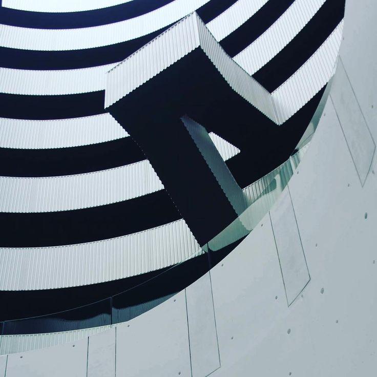 """Gemini #geminiresidence #architecture #blackandwhite #bw #futuristic #somewhereiwouldliketostay #photographyplayground #Copenhagen #IslandsBrygge #MVRDV…"""