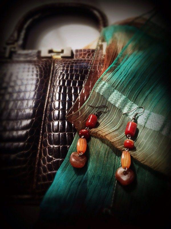 boucle d'oreille pierres marron ! Taille à seulement 5.00 €. Par ici : http://www.vinted.fr/accessoires/boucles-doreilles/29403601-boucle-doreille-pierres-marron.