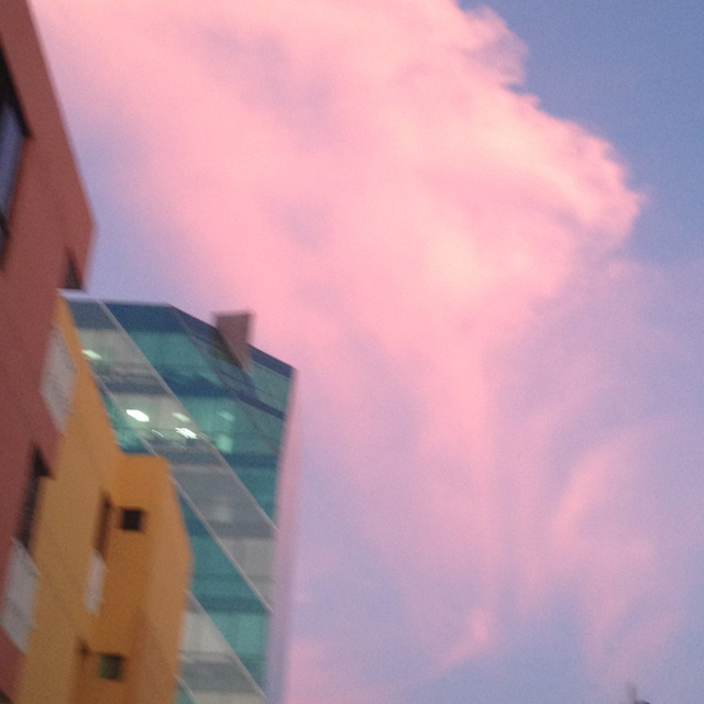 Nube rosa en Barranquilla, Colombia