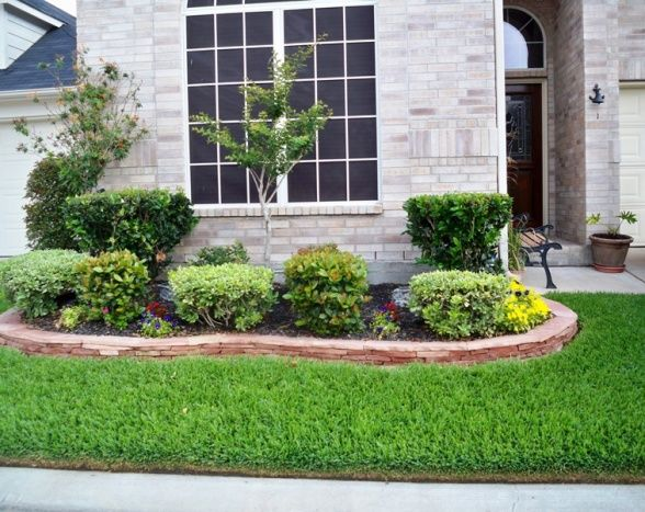 Front yard garden design colonial front house garden for Small front yard design