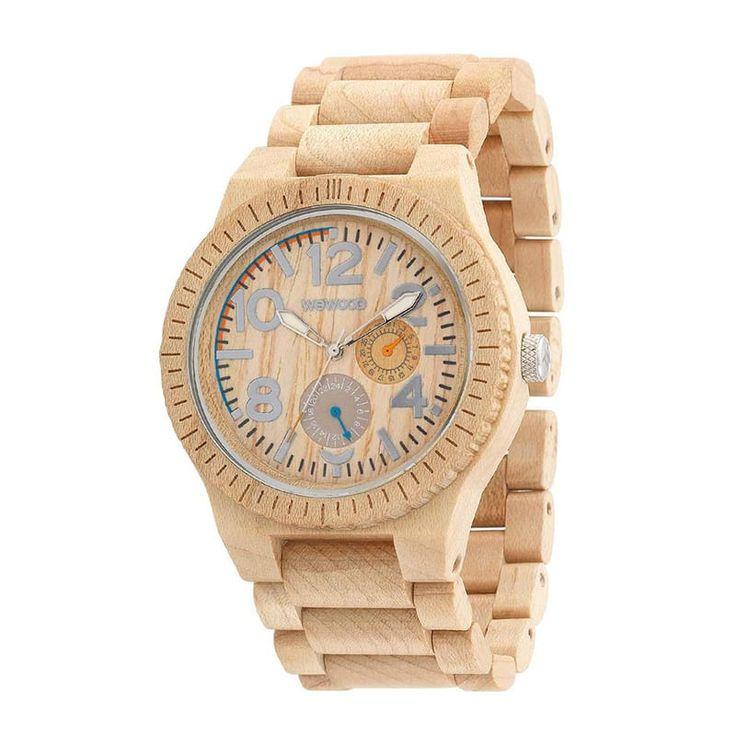 Модные мужские часы ручной работы с деревянным браслетом и корпусом от флорентийской кампании WEWOOD. Достойный подарок для самых достойных мужчин. Часы выполнены из канадского клена, который дает прекрасный светлый бежевый оттенок, циферблат градуирован контрастными серыми маркерами с более светлым