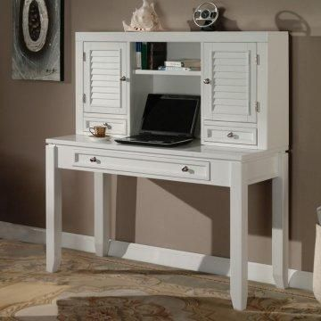 Casual cottage style desk.