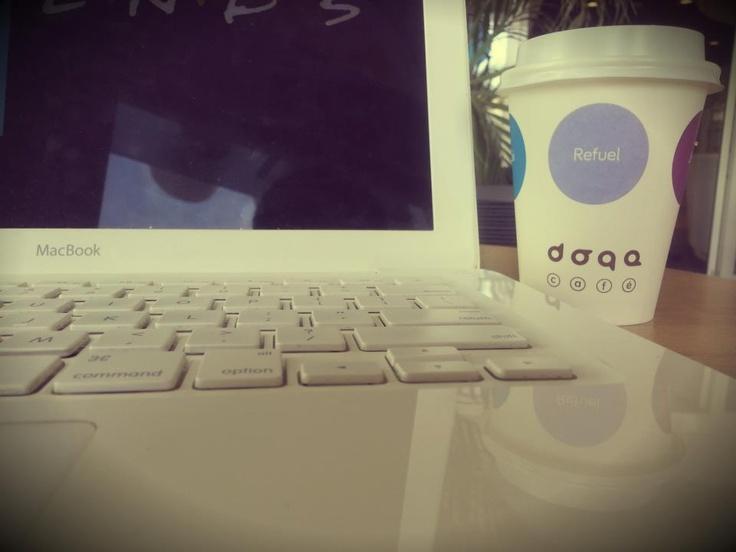 Doqa, Cafe, Coffee, Break, Drink, Kahve, Mola, Taksim, Levent, Milk, Süt, Dessert, Tatlı, Midmorning, Computer, Studying, Working, Çalışmak, Laptop