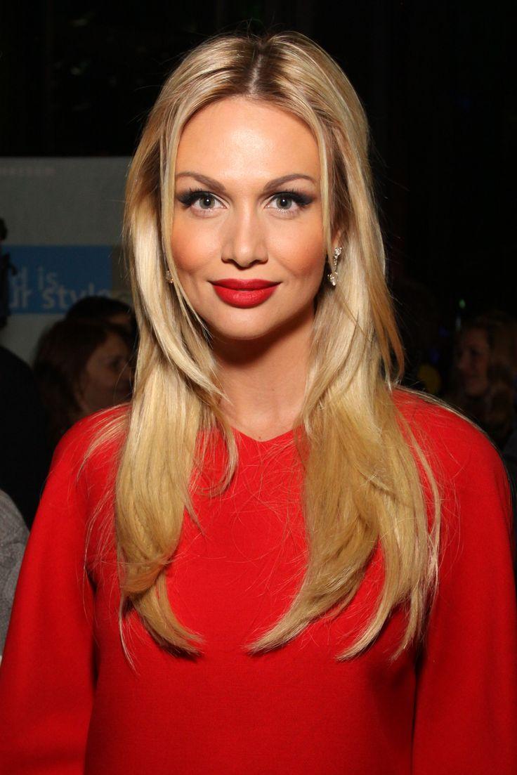 Мисс Россия 2003 Виктория Лопырева уверена, что Эльмира была слабее остальных участниц