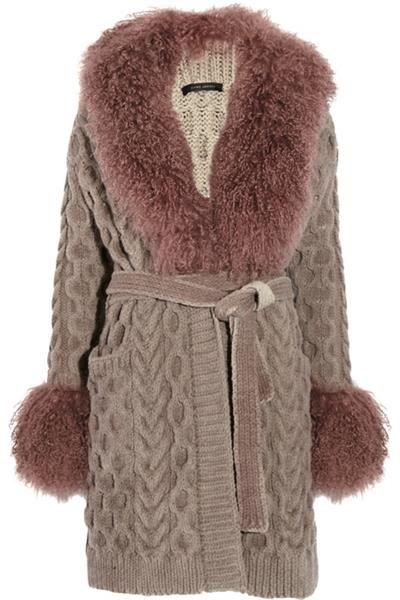 Заказать вязанное пальто с меховым капюшоном