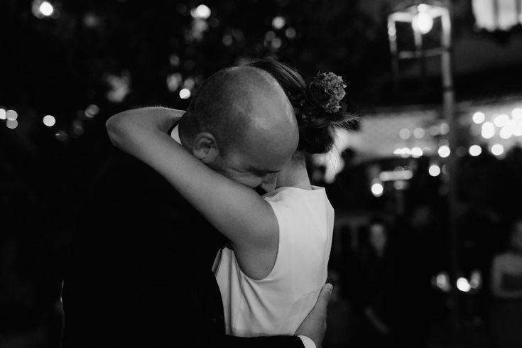 Fall backyard wedding | First Dance | Greece wedding photographer