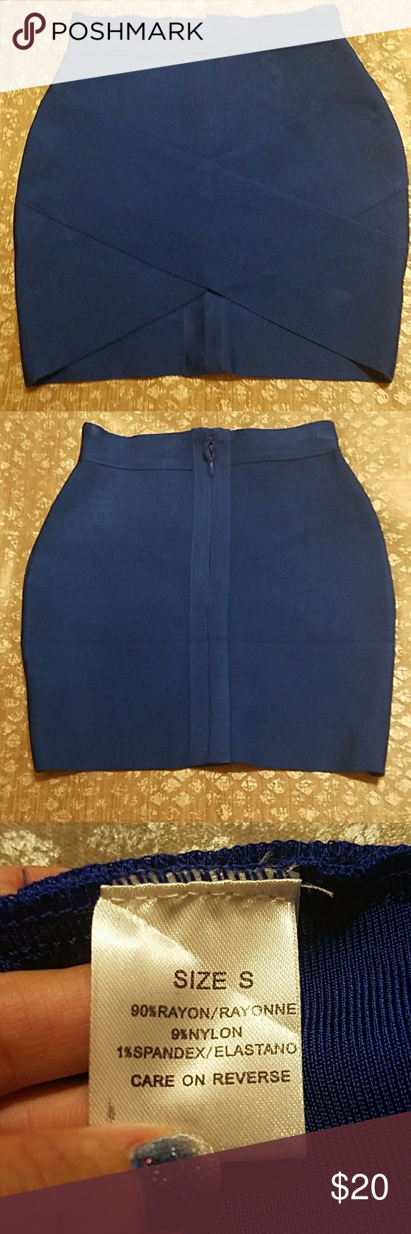 Short bandage skirt Cobalt blue bandage skirt. Ordered off line and it didn't fit, runs small!! Skirts Mini
