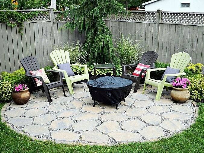 Loving This Fire Pit Seating Area, Great For Entertaining...