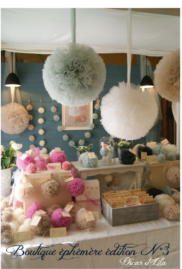 Oscar and Lila: Lots of lovely tulle poms - great way to use up all of that extra tulle I'll have after dress alterations