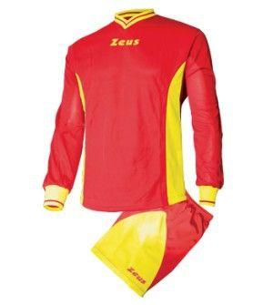 Piros-Sárga Zeus Dedalo Focimez Szett rövid ujjú mezzé alakítható, kényelmes, kopásálló, könnyen száradó, klasszikus focimez szett. Tartós, V nyakú, méretei miatt, az utánpótlás számára is, rendkívül remek választás a Dedalo focimez. Piros-Sárga Zeus Dedalo Focimez Szett 6 méretben és további 9 színkombinációban érhető el. - See more at: http://istenisport.hu/termek/piros-sarga-zeus-dedalo-focimez-szett/#sthash.Dj5AmJIF.dpuf
