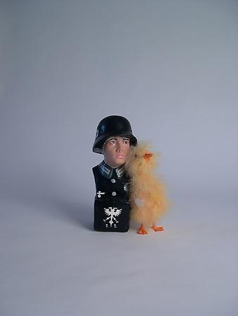 Liliana Porter, Nazi/Duck, 2006