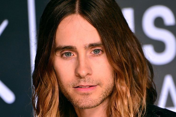 If there was a Best Hair Award at the 2013 MTV Video Music Awards, Jared Leto.