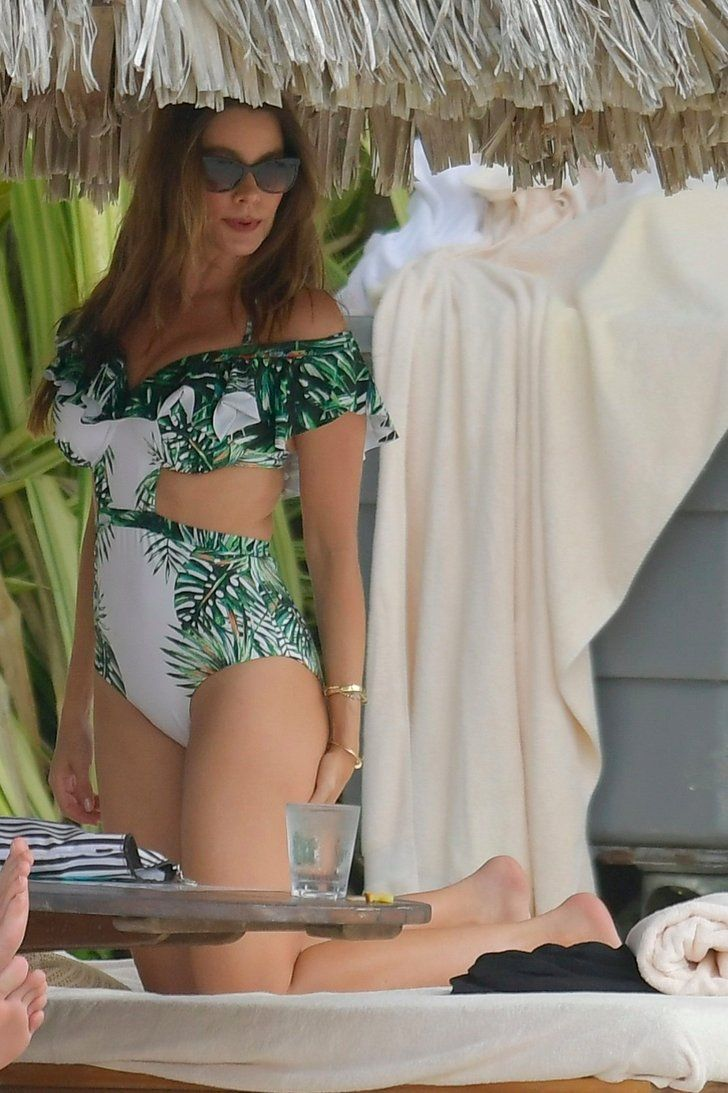 Sofia Vergara Gets Help From Joe Manganiello For That Perfect Bikini Photo