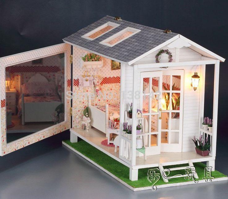13817 Hongda diy grote liefdevolle poppenhuis strandvilla miniatuur poppenhuis voice geleid lichten vakantie poppenhuis gratis verzending(China (Mainland))
