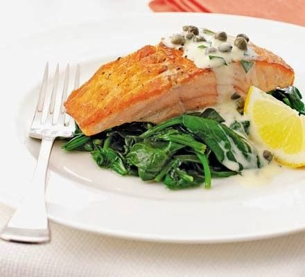 Salmon and Spinach with Tartare Cream http://daisymariaharvey.blogspot.co.uk/2014/01/salmon-spinach-with-tartare-cream.html