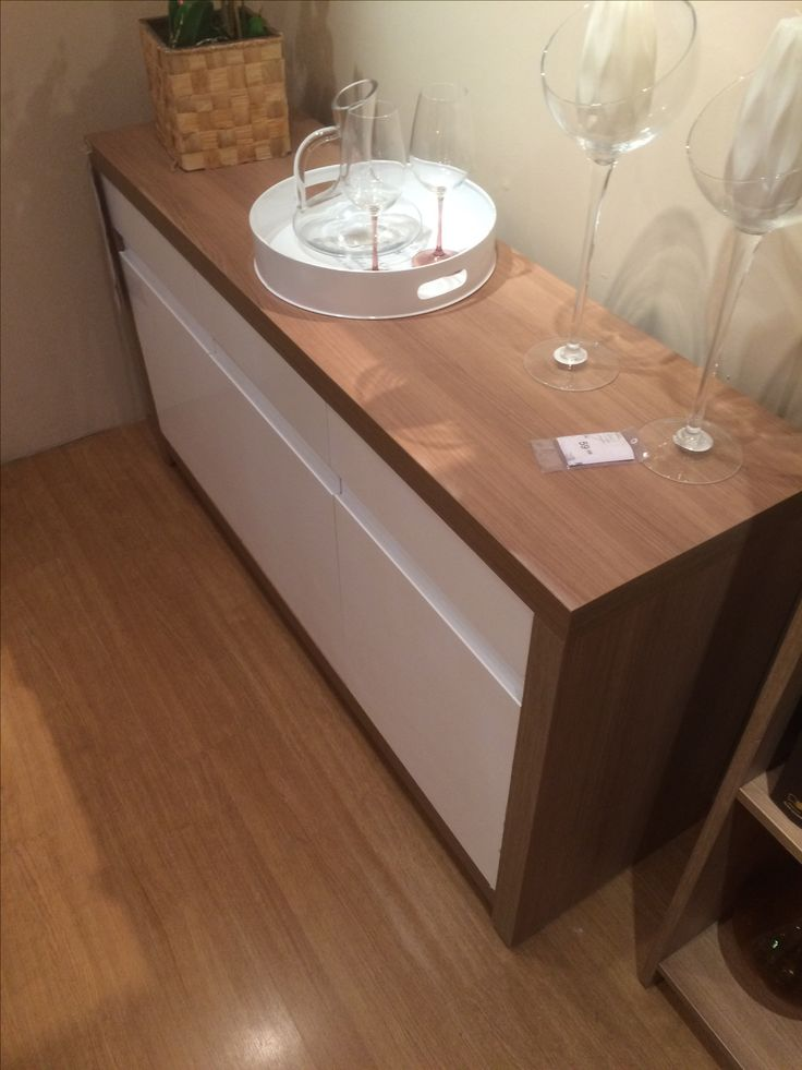 Buffet madeira e branco