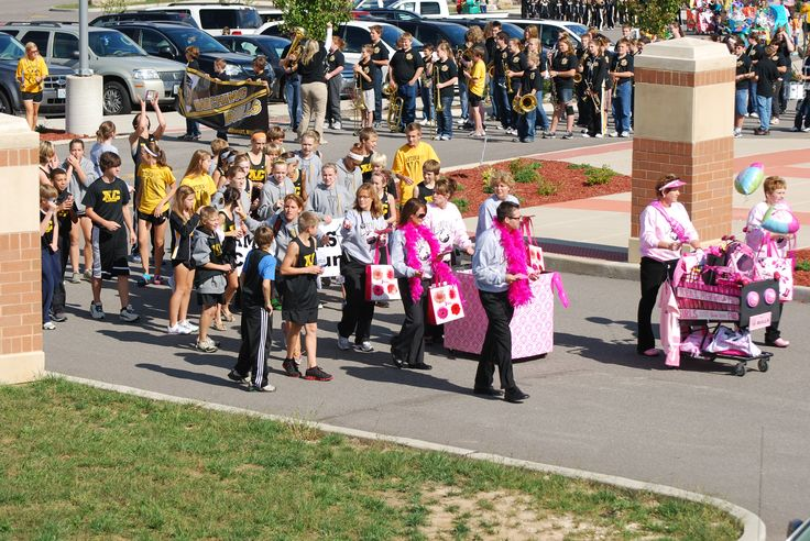 Cross Country Send Off Shopping Cart Parade | Antonia Middle School | In the Fox C-6 School District, four middle schools feed into two different high schools. The middle school is not located on a main campus with a high school, and with budget constraints, the students would not be able to attend the high school's homecoming parade. Instead, they hosted their own to honor current athletes and clubs while also challenging the student body to make shopping cart floats based on school theme.