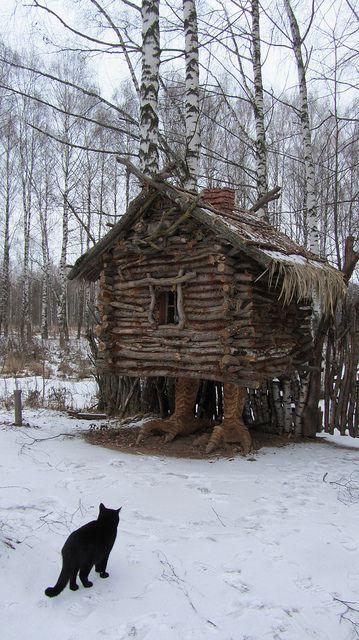 Si esta casa tiene patas de pollo... adentro será de pollo también?