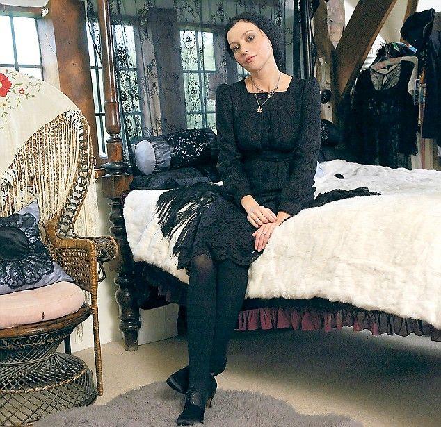 pearl lowe black lace & white fur