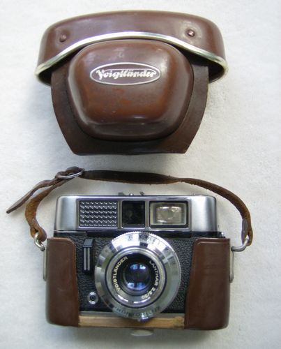 Voigtlander Camera with Leather Case West Germany Circa 1950's 1960's. My dad had one of those