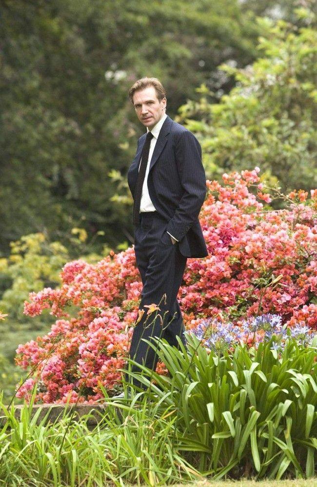 Ralph Fiennes stars in Fernando Meirelles' THE CONSTANT GARDENER