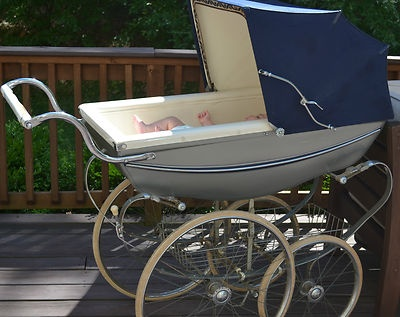 130 best images about kinderwagens on pinterest aunt vintage and dolls prams. Black Bedroom Furniture Sets. Home Design Ideas