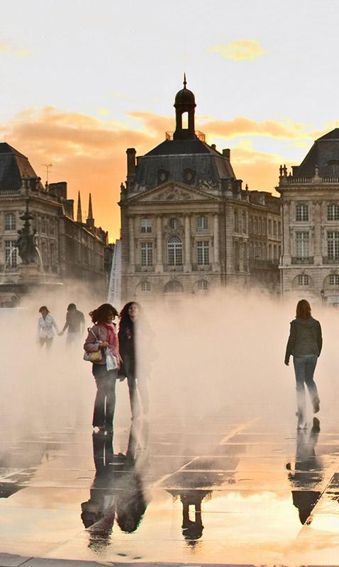 Versteckte Orte in Bordeaux Die Stadt im Südwesten Frankreichs, bei deren Namen man auf der Stelle an Wein denkt, hat eben diesem nicht nur ein Museum gewidmet, sondern lebt das Thema Genuss in jedem Winkel der Altstadt aus