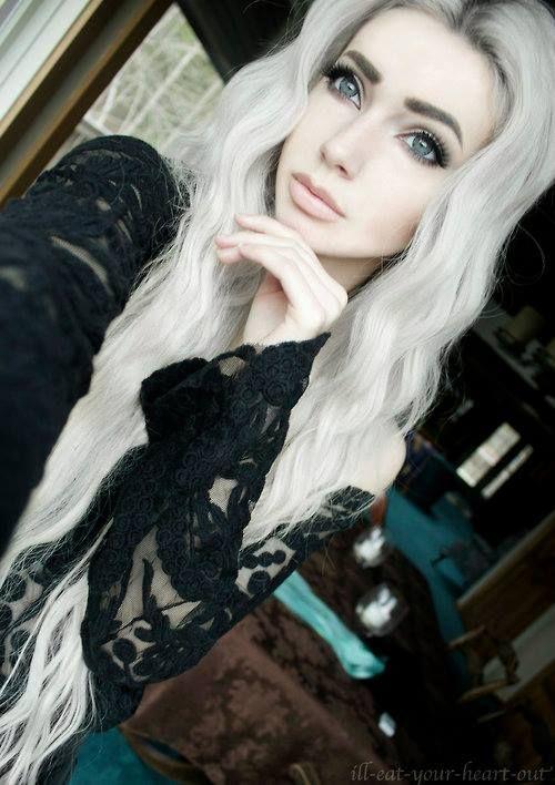 Białe włosy - Zdjęcia użytkownika Białe włosy | via Facebook
