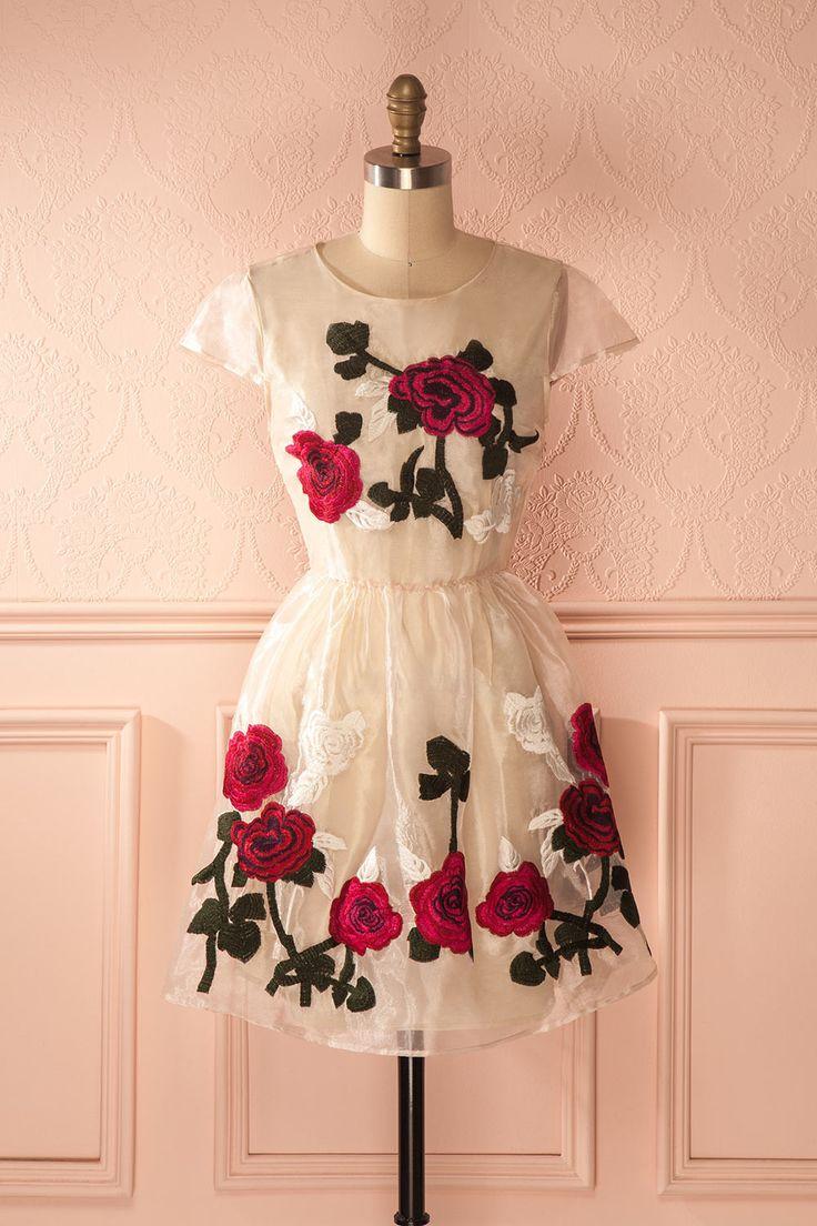 Robe d'organza crème à broderie fleurie - Flowers embroidered cream organza dress