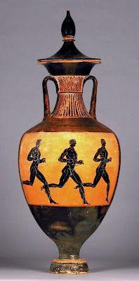 Los principales juegos griegos fueron los Olímpicos, que se celebraron en el santuario de Olimpia cada cuatro años, desde el 776 a. C. Según la leyenda fueron fundados por Heracles para glorificar la victoria de Zeus sobre su padre Cronos.